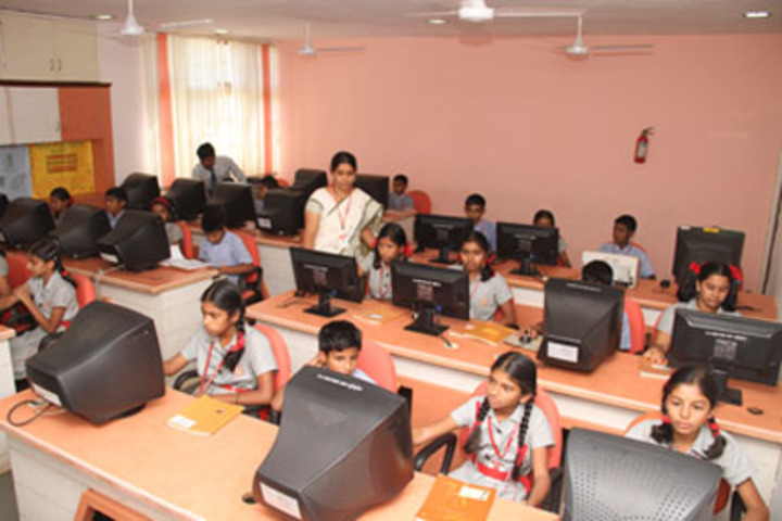 K L E Society- Computer lab