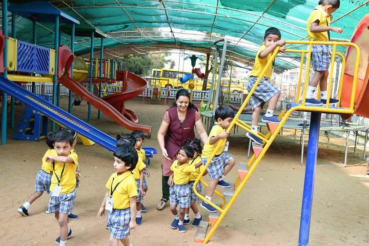 Kautilya Vidyalaya-Games