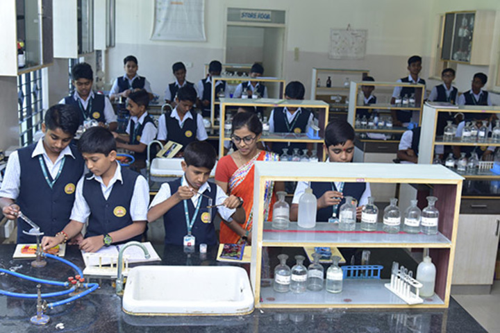 Kumadvathi Residential Central School-Chemistry lab
