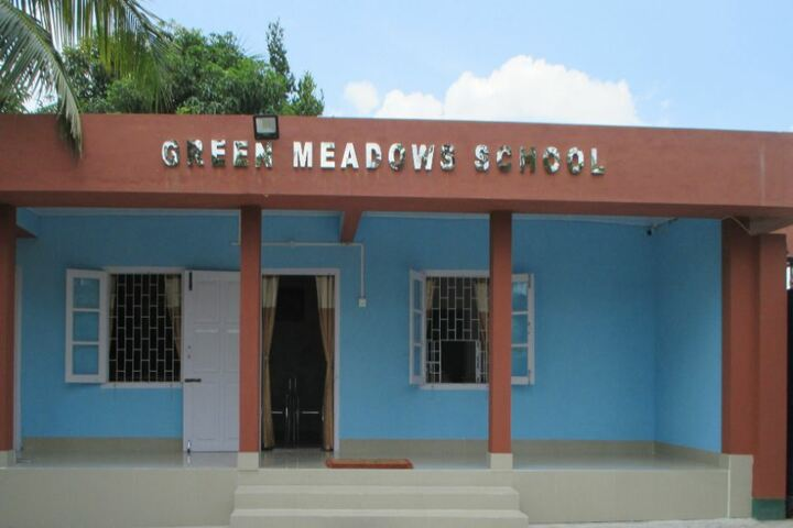 Green meadows school - school building