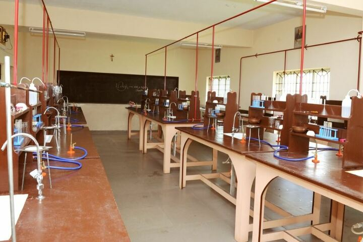 Mount Carmel Central School-Chemistry Lab