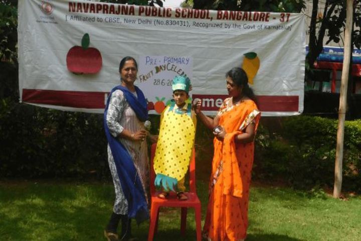 Navaprajna Public School-Fruit Day