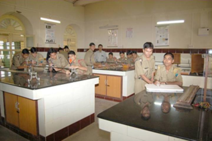 Rashtriya Military School-Physics Lab