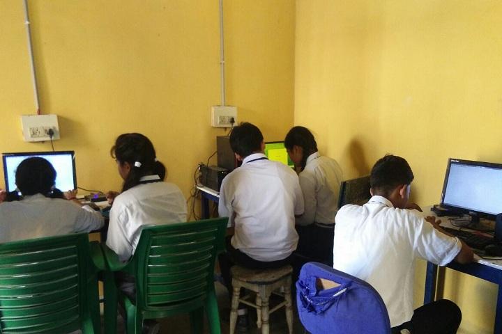Holy Child Public School-Computer lab