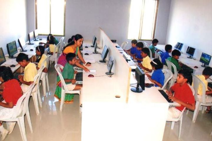 S B Darur Memorial English Medium School-Computer Lab