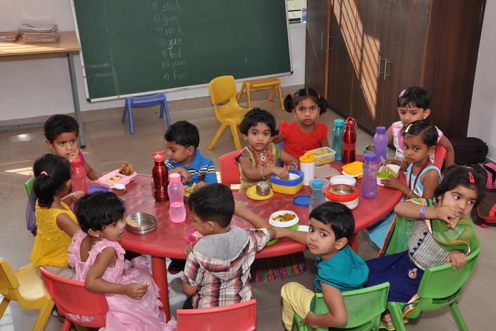 Sanganabasava Shishuniketan School-Lunch Area