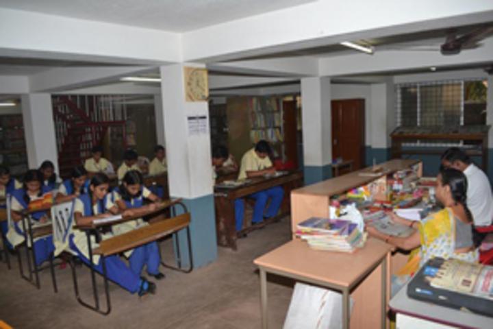 Sharada Vidyalaya-Library