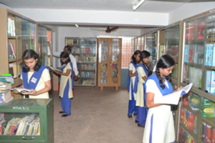 Sharada Vidyalaya-Library1