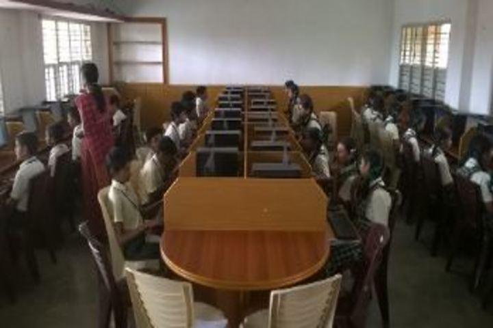 Shikshkarni Central School-Computer Lab