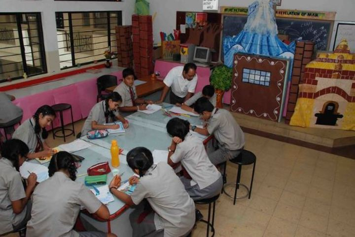 Sindhi High School-Art-Room