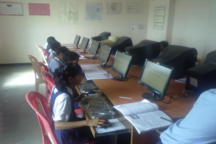 Sparkles International School-Computer-Lab