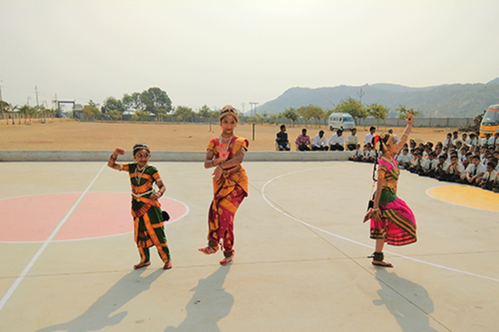 Sri Sai Vidyaniketan Residential School-Dance