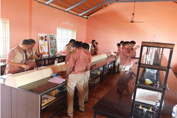 Vidyavardhaka English Medium School-Chemistry Lab