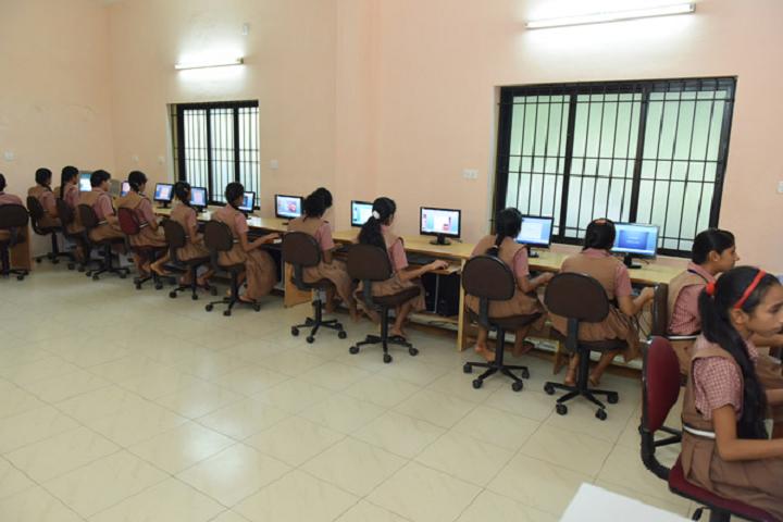 Vidyavardhaka English Medium School-Computer Lab