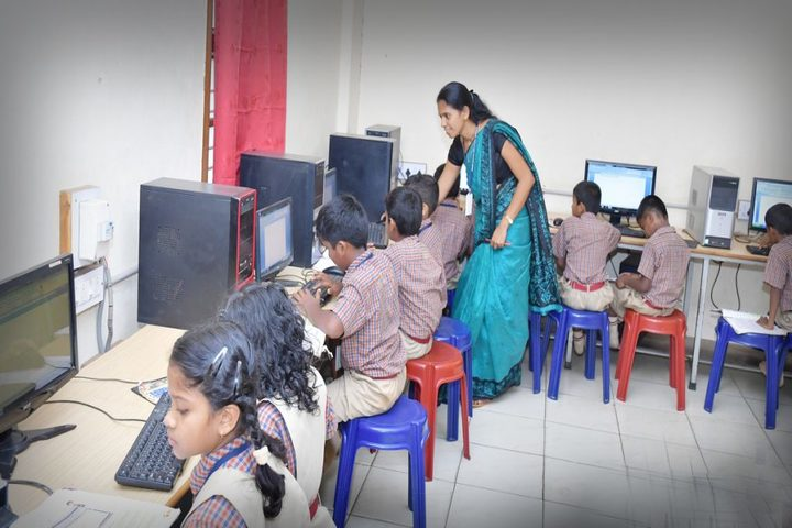 Vishwa Vinayaka National English Medium School-Computer Lab