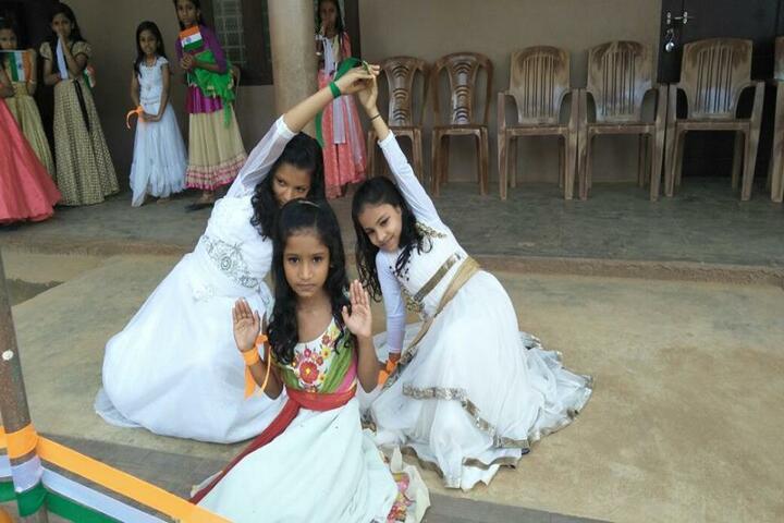 A E T English Medium School-Dance
