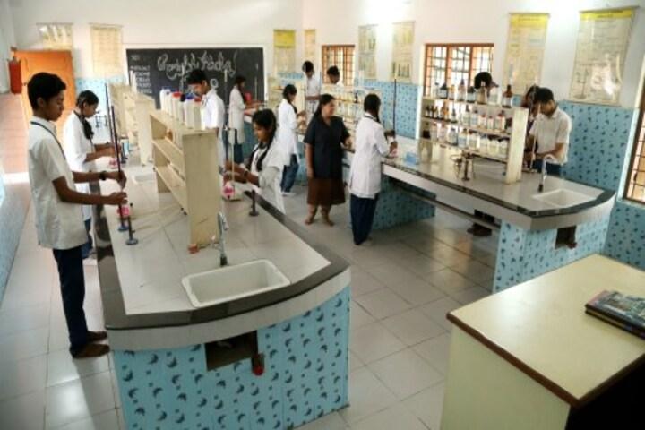 Al Ameen Public School-Chemistry Lab