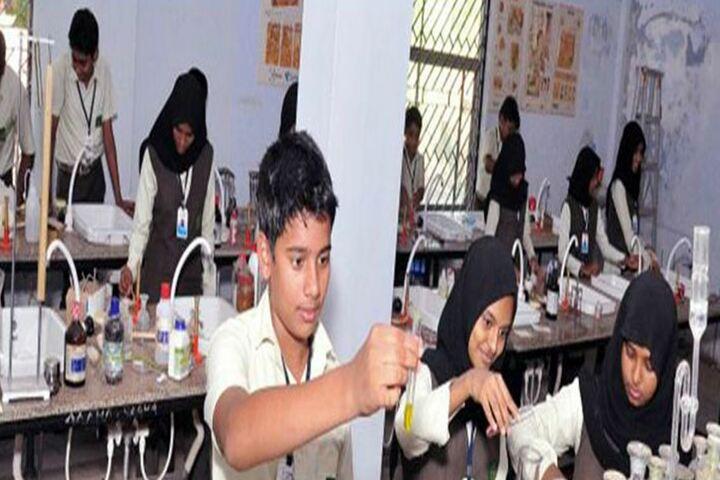 Al Huda Central School-Laboratory