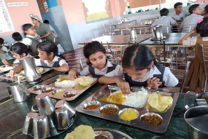 Al Aqsa Public School-Cafeteria