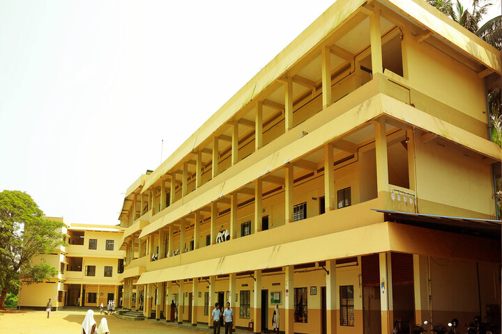 Amal English School-Campus