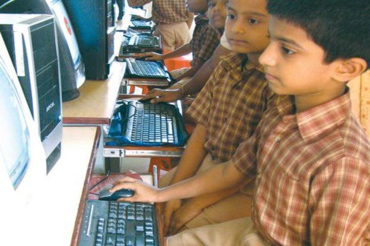 Amrita Vidyalayam-Computer Lab