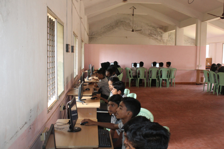 Arafa English School-Computer Lab