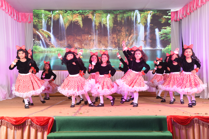 Arafa English School-Junior Wing Dances
