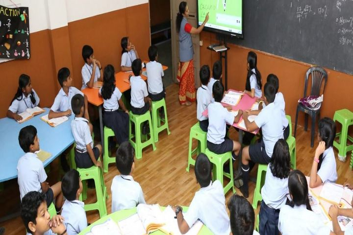 Assisi Vidyaniketan Public School-Smart Classroom