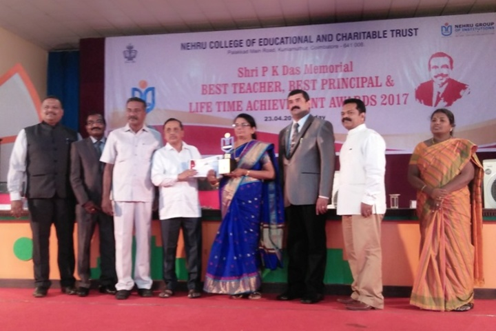 B E S Bharathi Thirtha Vidyalayam English Medium Higher Secondary School-Prizes