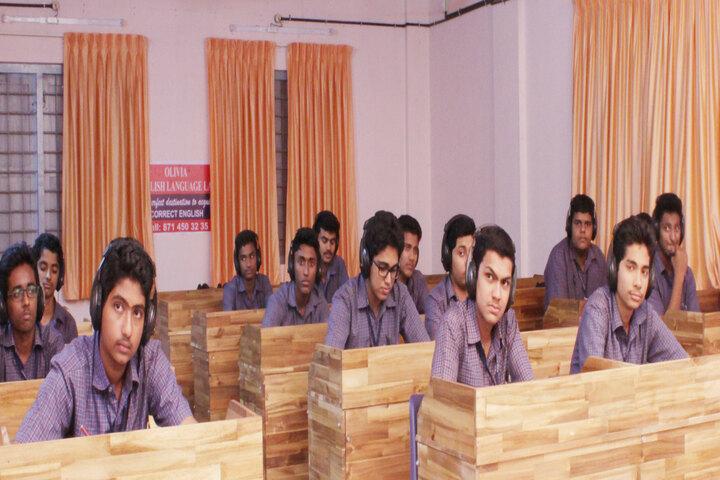 B M M English Medium School-Audio Visual Lab