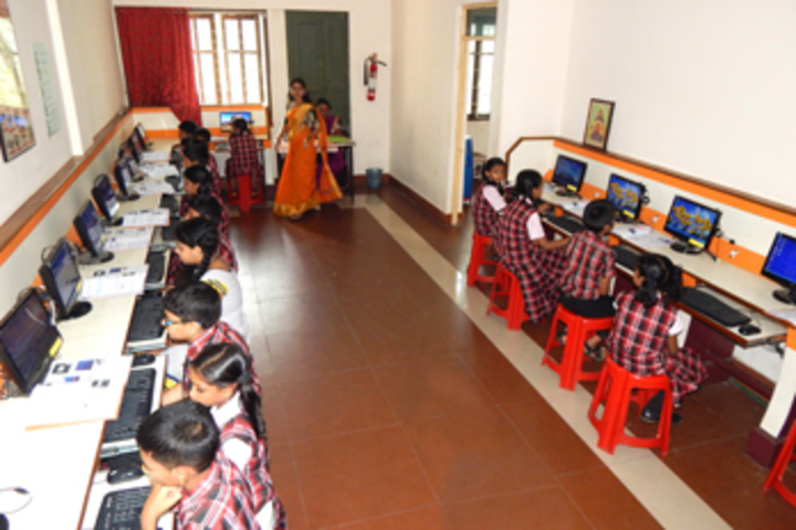 Bharathamatha Cmi Public School-IT Lab