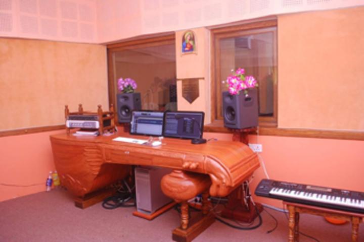 Bharathamatha Cmi Public School-Music Room