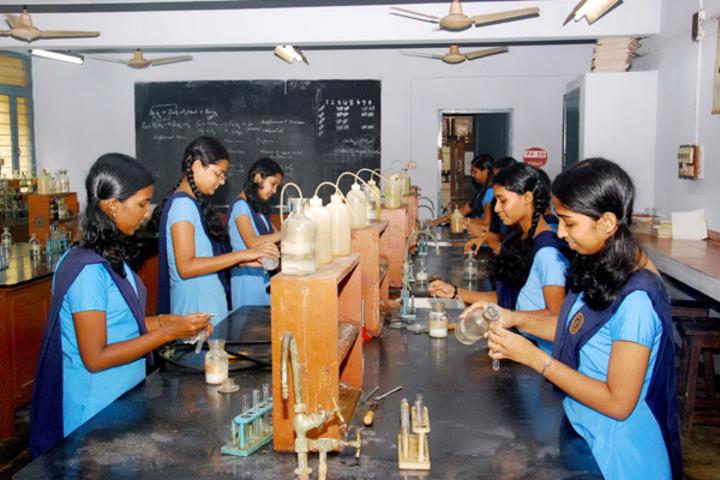 BhavanS Newsprint Vidyalaya-Chemistry Lab