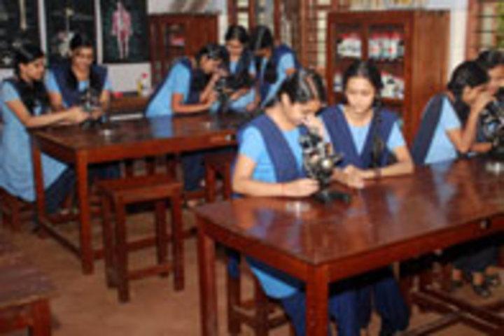 Bhavans Vidya Mandir-Biology Lab