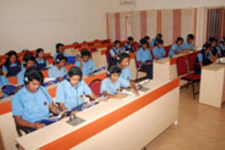 Bhavans Vidya Mandir-English Lab