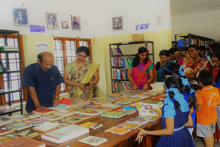 Bhavans Vivekananda Vidya Mandir-Book Fair