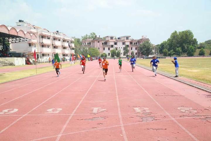 Bhavans Vivekananda Vidya Mandir-Running Race