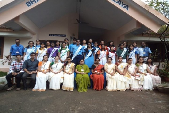 Bhavans Adarsh Vidyalaya-Staff and Students