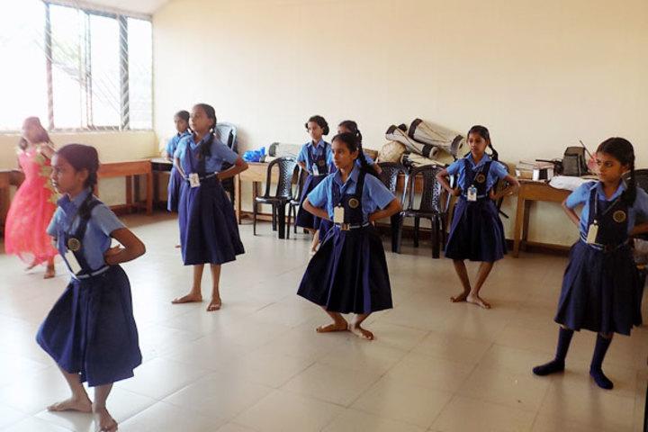 Bhavans Munshi Vidyashram-Dance Class