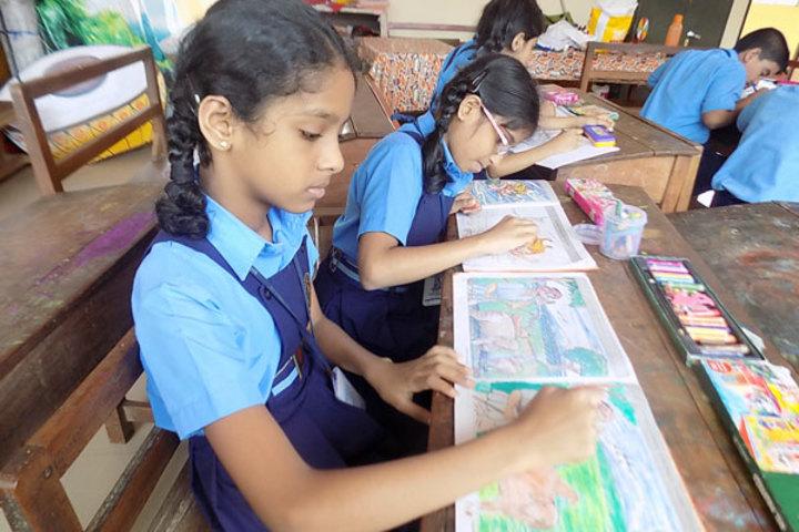 Bhavans Munshi Vidyashram-Drawing Class