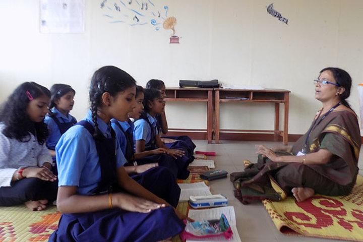 Bhavans Munshi Vidyashram-Music Class