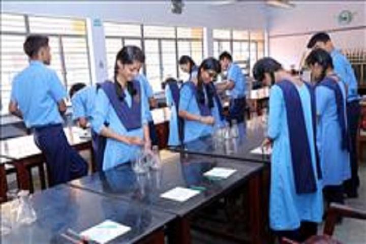 Bhavans Varuna Vidyalaya-Chemistry Lab