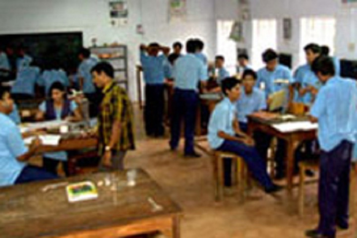Bhavans Vidya Mandir-Chemistry Lab