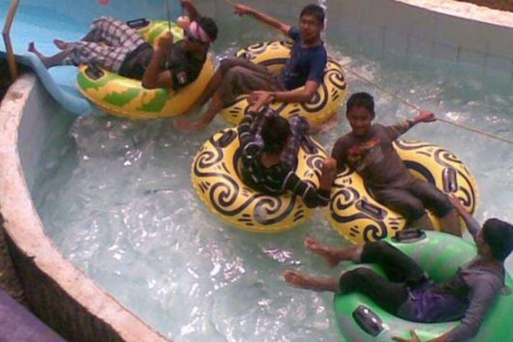 C H Mohammed Koya Memorial School-Swimming Activity