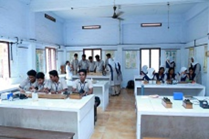 C Syed Mohammed Haji Memorial Central School-Physics Lab