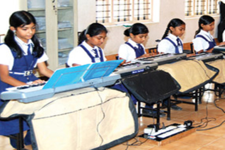 Chavara Darshan Cmi Public School-Music Room
