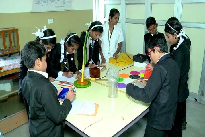 Cherupushpam English Medium School-Arts