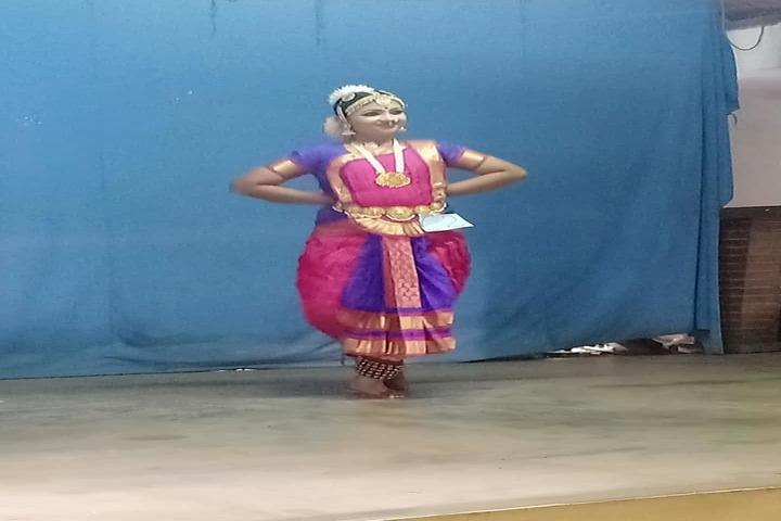 Christhujyothi English Medium School-Cultural Dance