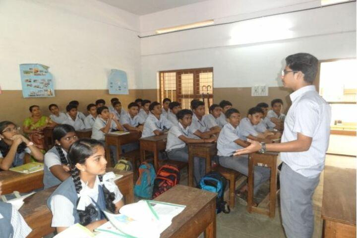Cluny Public School-Classroom