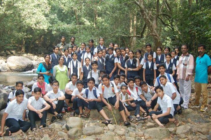 CMI Christ School-Trip